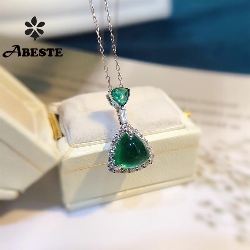 Regalo di compleanno della collana di fidanzamento Collana in Oro Bianco Solido ANI 18 carati blu zaffiro naturale Donne Ciondolo Diamante Halo