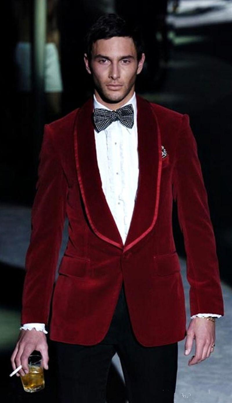 Nuovo Design elegante smoking dello sposo un pulsante rosso velluto scialle risvolto Groomsmen migliore vestito dell'uomo Abiti da sposa Mens (Jacket + Pants + Tie) 917