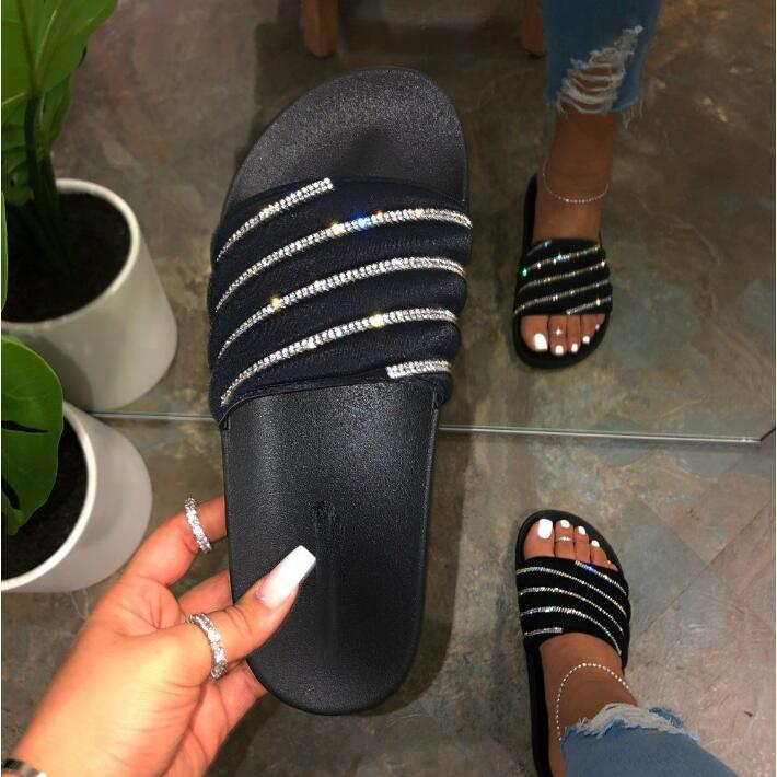 2020 new spring /summer women casual flat sandals bright diamond beach slippers ladies home candy color flip flop Wild fashion.