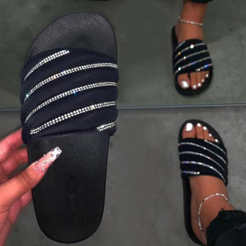 2020 Rainbow Color Femmes Sandales Filles plat cristal style Sandales d'été Plage Chaussures Femmes cône doux Paillettes pantoufles
