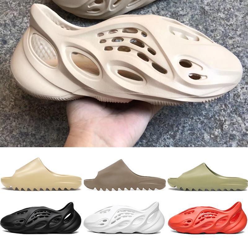 2020 Nova kanye sandálias das mulheres dos homens chinelo marrom triplos pretos lâminas de praia dos homens brancos de espuma corredor deserto osso resina areia de terra