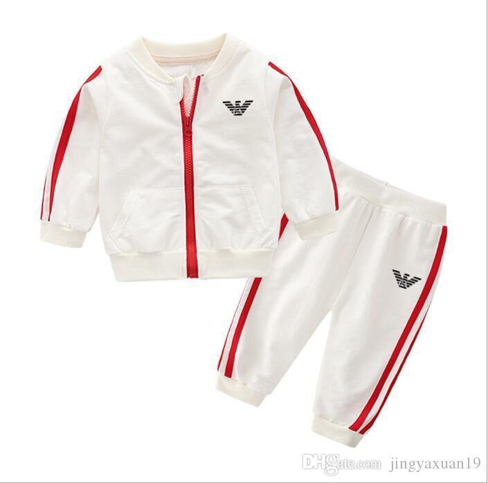 Marque bébé garçons et filles survêtements enfants survêtements enfants T-shirts pantalons 2 pcs / ensembles enfants vêtements vente chaude nouvelle mode été AD696