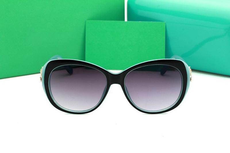 Lunettes de soleil de marque de luxe Lunettes de vue Stores de plein air Cadre de PC Mode Classique Femmes Lunettes de soleil de luxe Miroirs pour femmes