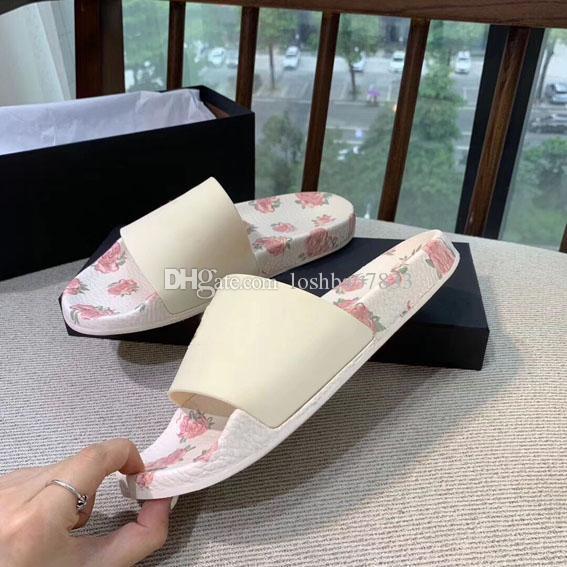 2020thick inferiore donne versione del designer pantofole da bagno Scarpe Stripes sandali flat estate della spiaggia Donne Slides35-40