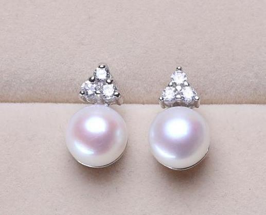 Perlen-Ohrringe Stud 8-9 mm White Oval Natürliche Perlen-Ohrringe
