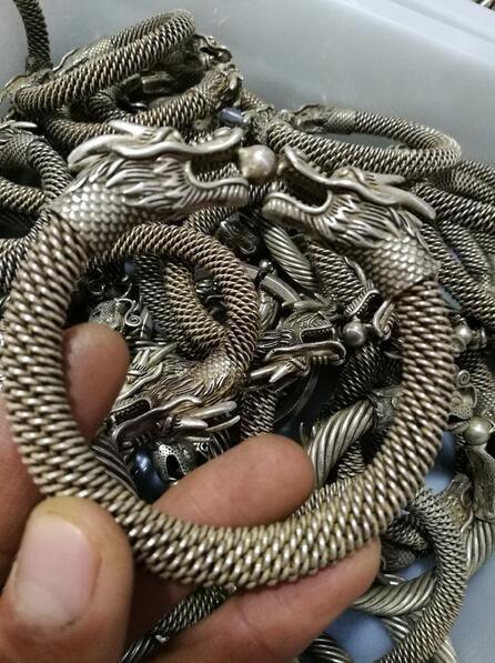 Colección China de plata tibetana tallada con doble cabeza de plata de dragón pulsera