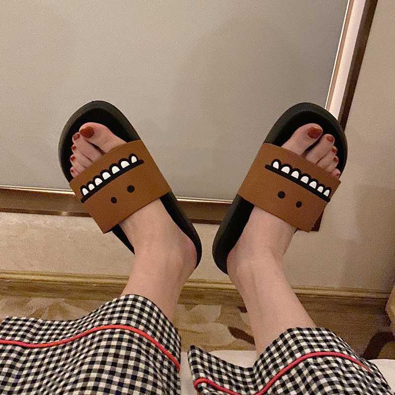 2020 Mujer casa de verano zapatillas de moda de las mujeres chanclas Diapositivas diseñadores playa zapatos ocasionales de la plataforma lindo más el tamaño 45