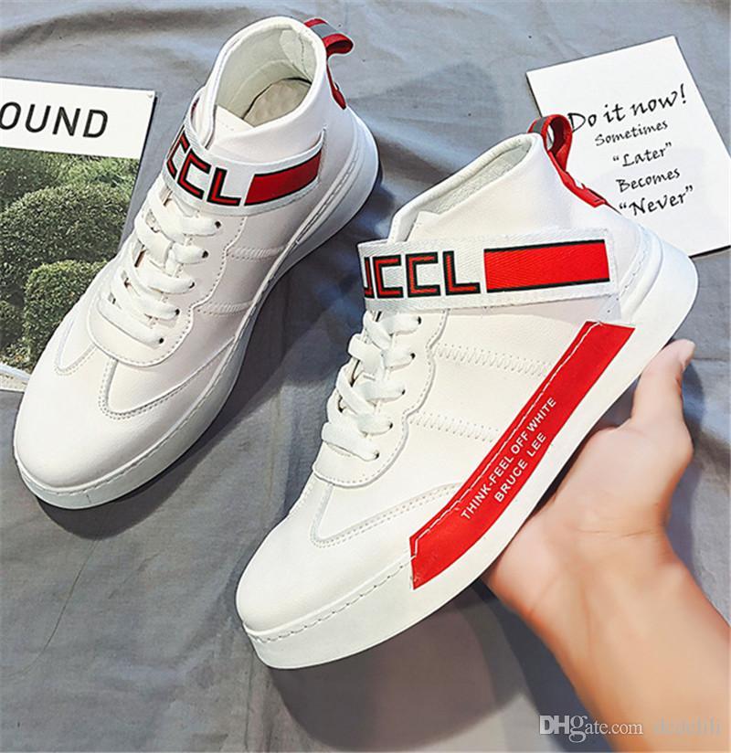 Top 2019 Cheap selvagem malha Fashion Designer Shoes Triple S Sneaker vestido leve Selvagem Sneakers quatro homens Cor Running Shoes externas