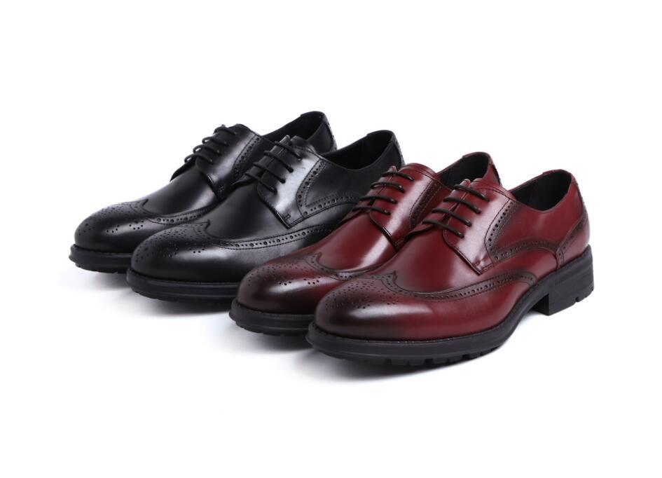 2020 Jaune Marron Rouge Chaussures en cuir de vache Hommes Vêtements de travail Style de bout rond Soft-Sole Chaussures en cuir de vache de mariage Mode Homme Oxfords