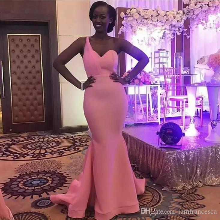 2019 Fashion One Shoulder Sexy Pink Mermaid Bridesmaid Dresses Sweetheart Floor Length Maid Of Honor Bridesmaids Gown Wedding Guest Dress