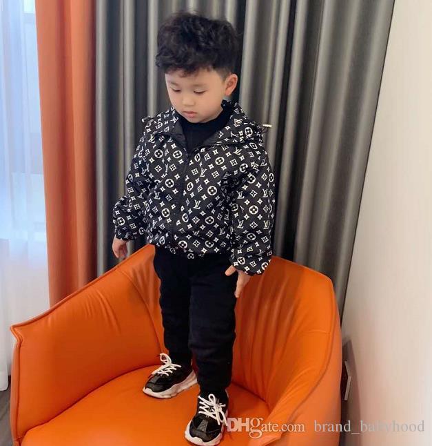 Sevimli İlkbahar Çocuk Coat Sonbahar Çocuk Ceket Erkek Dış Giyim Palto Aktif Boy WINDBREAKER Bebek Giyim Giyim A01