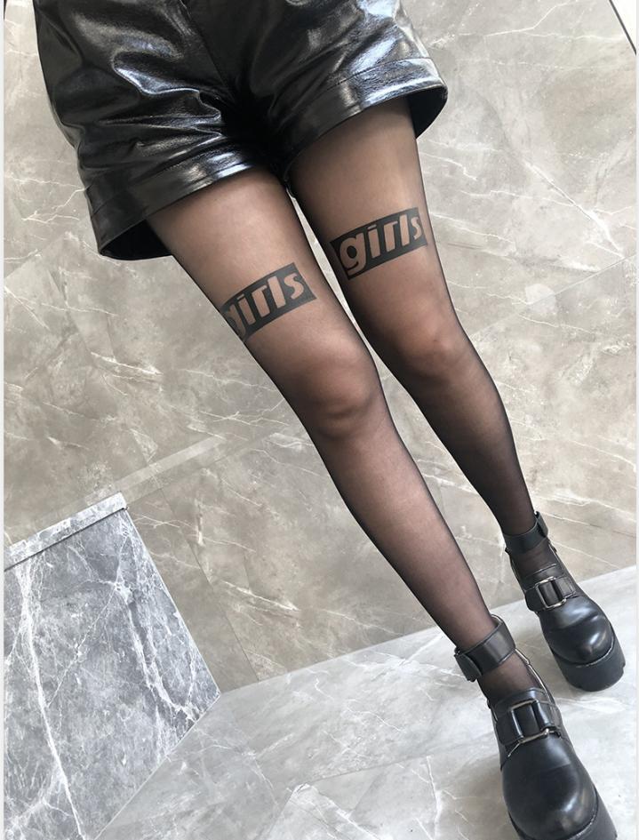 2020 Mode Femmes Collants Bas avec 20 ans Lettre imprimé style sexy Femmes longues chaussettes ultra-minces Streetwear Chaussettes 7 Styles Vêtements