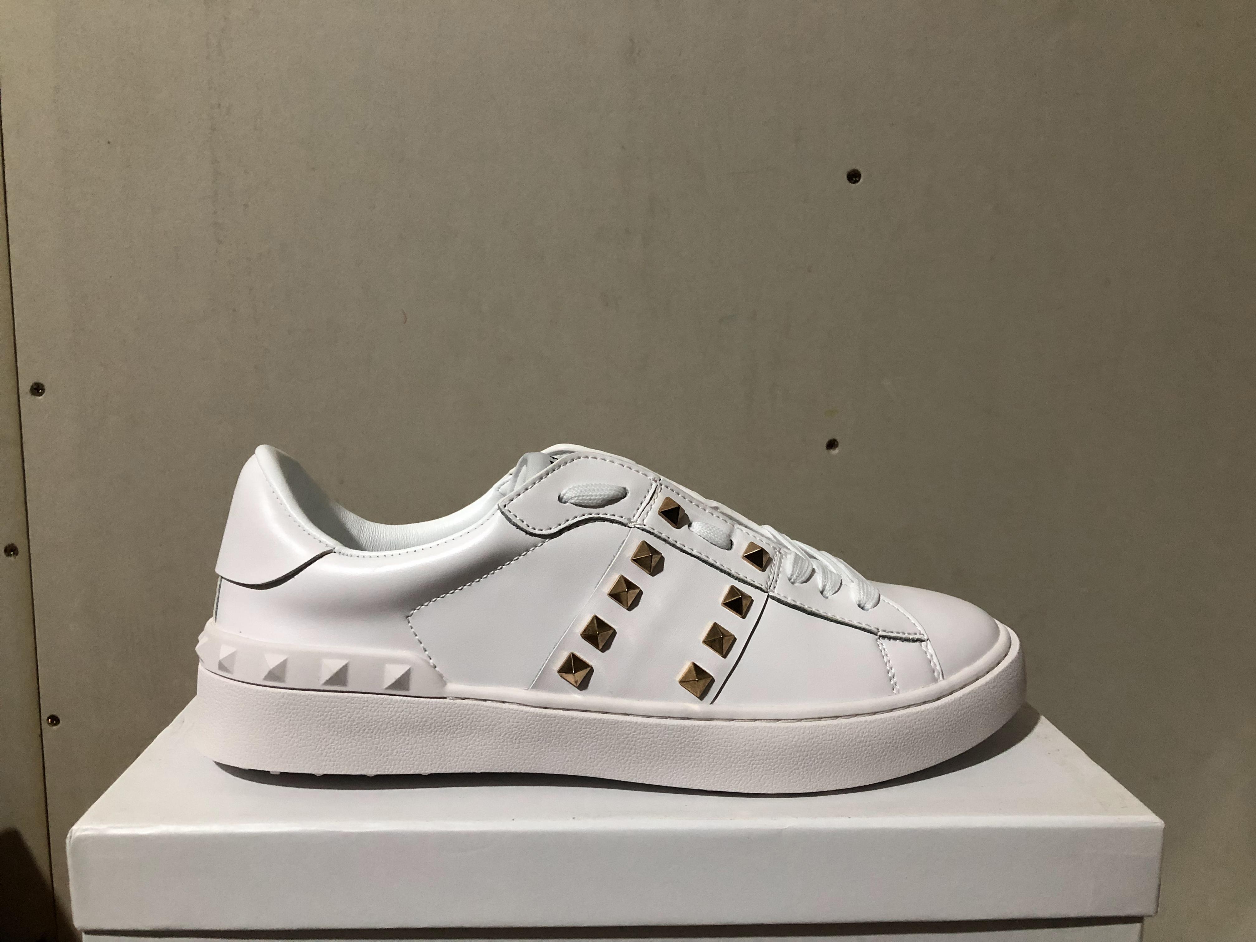 оптовые мужчин, женщин дизайнерские туфли с золотой вербы Цветные ногти прогулочной обуви для продажи женщин платье обувь