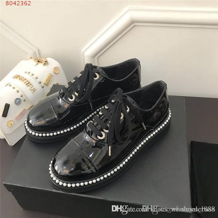 couro mulheres sapatos baixos casual de 2019, A senhora elegante que borda inlays pérola sapato deve outono e inverno sapato necessário loafer