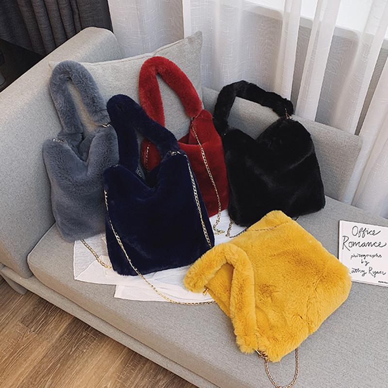 Designer-Faux Fur Crossbody Borse per le donne 2019 inverno colorato Shoulder Bag Messenger giacca signora Handbags ragazze regalo di Natale