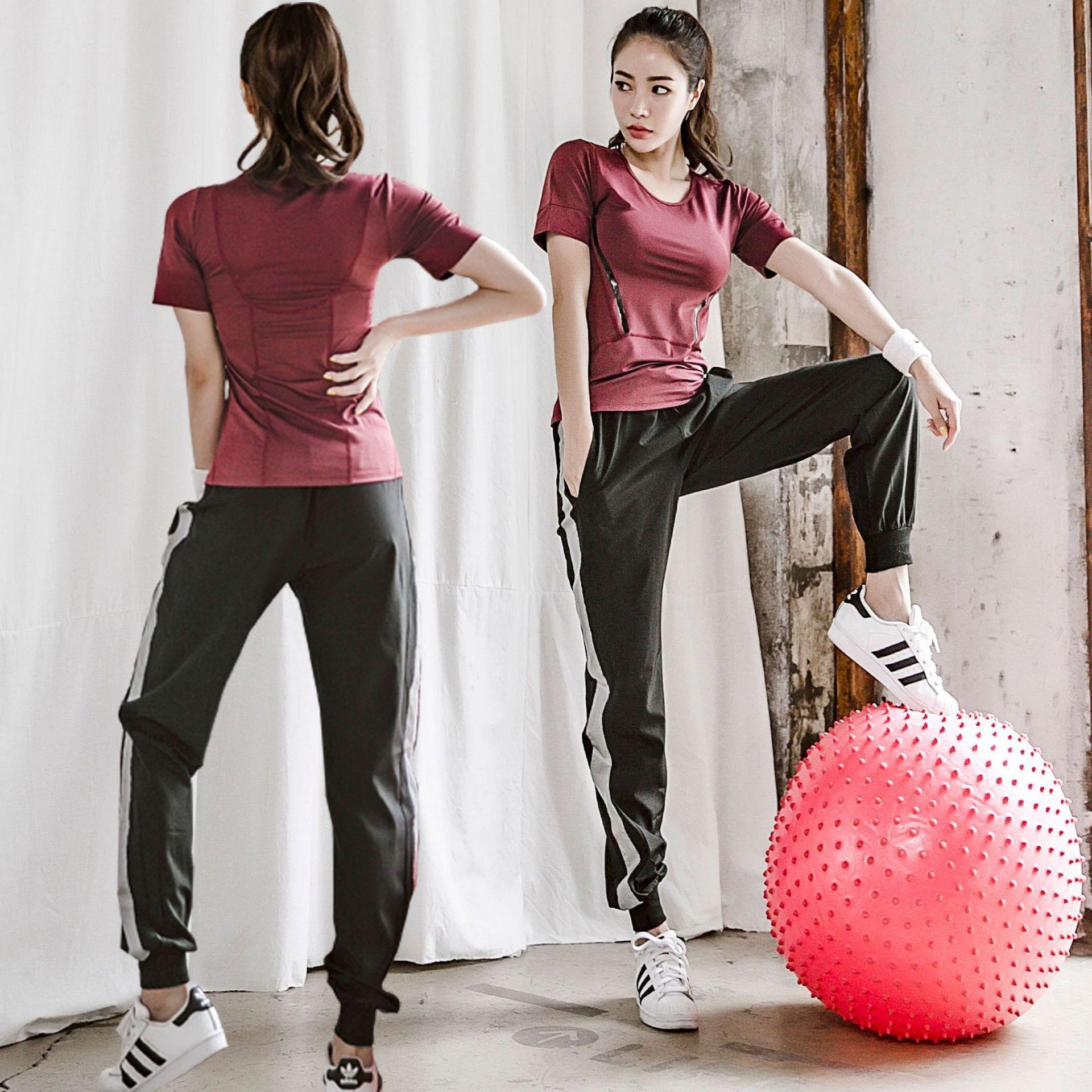 2020 neues professionelle Yoga-Anzug Anzug Sport-Fitness-Kleidung Sommer loses Yoga läuft Anzug Fitness Frauen Asian Code 4 Farben