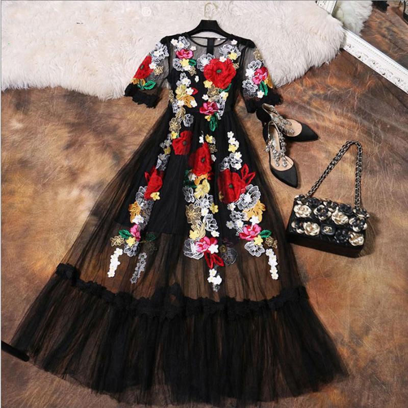 Abito di lusso Nuovo 2018 Estate Designer di moda Nuovo Fiore elegante Appliques ricamo Maglia nera donne sottili Abito lungo vintage Y19051102
