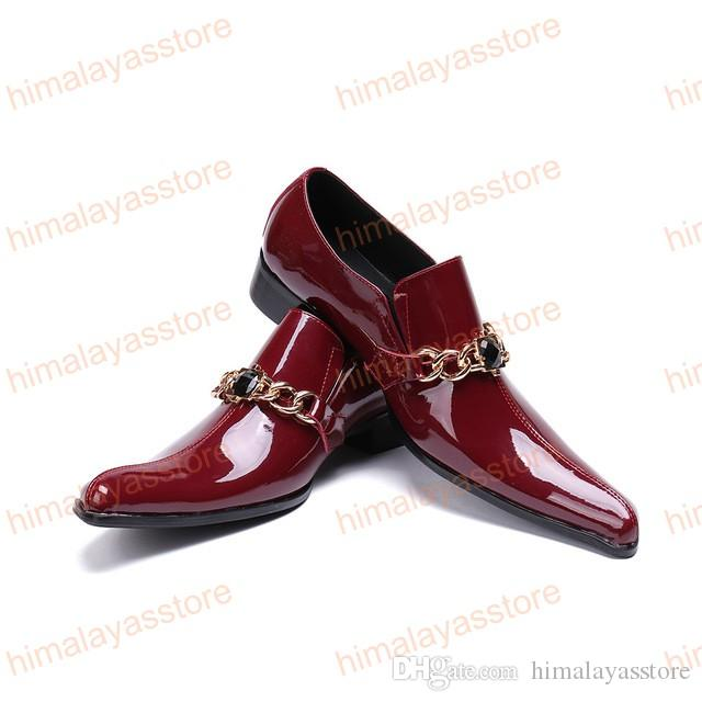 Estilo estranho Toe Partido Masculino Sapatos de Cristal Preto Homens Sapatos com Cadeia Sapato Masculino Vinho Tinto Homens De Couro De Patente Vestido Sapatos