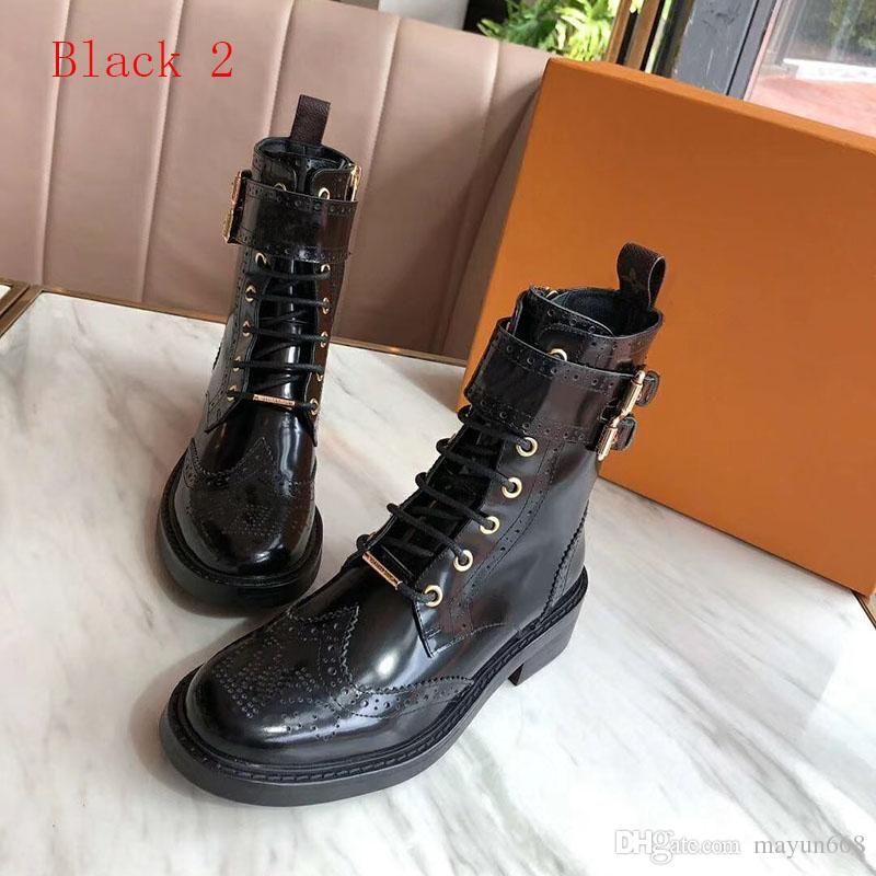 Senhoras botas de inverno 2020 Shoes últimas designer de moda luxuosos das mulheres botas de couro cabeça redonda militares e botas de combate tamanho 40