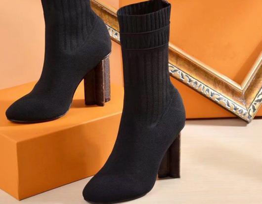 Heißer Verkauf- Winter gestrickte elastische Stiefel DesignerL Short Stiefel Socken Stiefel Größe 35-42 Hohe Schuhe Stöckel