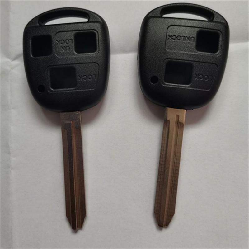 DAKATU Mit 2/3 Btutons Fernauto-Schlüsselanhänger Fall für Yaris Prado Tarago Camry Corolla Ersatzfern Blatt TOY43