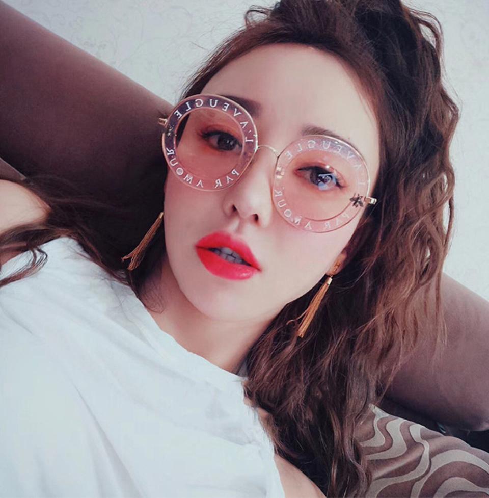 أحدث مصمم الأزياء جولة النظارات الشمسية المرأة العلامة التجارية خمر التدرج ظلال نظارات شمسية UV400 Oculos Feminino Lentes