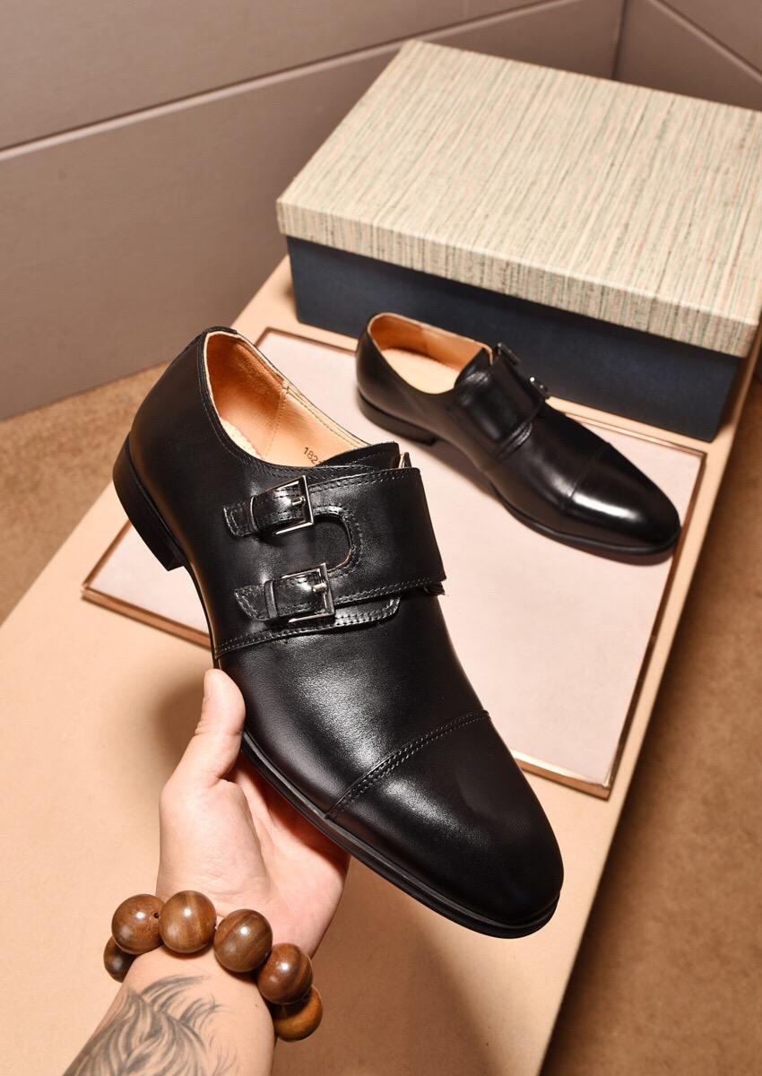2019 Nouveaux appartements en cuir brogue pour hommes occasionnels oxfords marque de mode masculine designer robe robe chaussures zapatos hombre taille 38-45