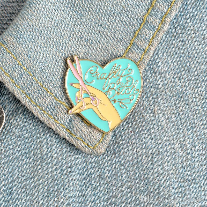 Heart Shape Love Scissors Hand Enamel Brooch Alloy Badge Cartoon Creative Denim Clothes Bag Pin Cute Sweet Jewelry Accessories