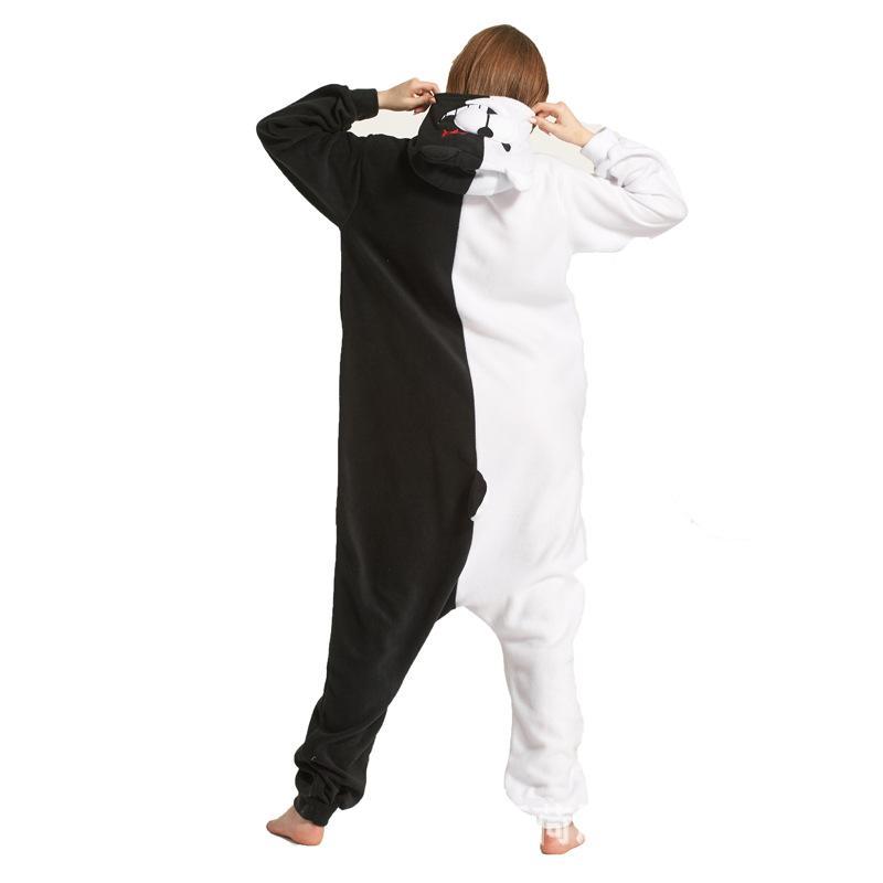 Hersteller Großhandel Herbst und Winter Tierkarikatur einteilige Pyjamas schwarze und weiße Bären Fleece Paar der Frauen Kleidung nach Hause