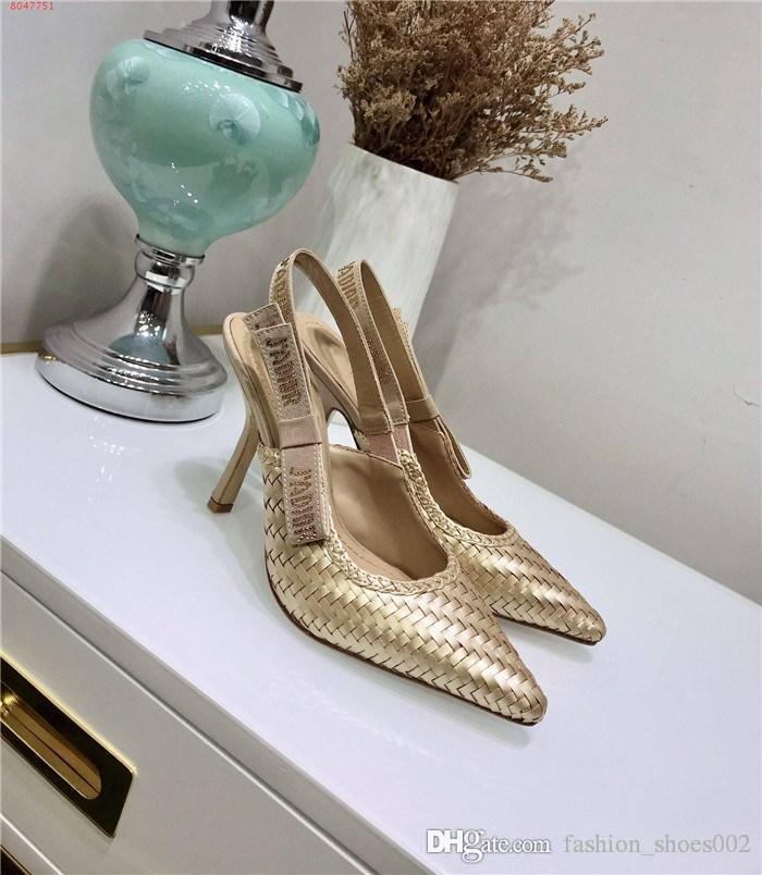 sandálias Cat-salto com pequenos saltos, dedos apontados e saltos altos broca Água letras saltos altos para mulheres sapatos com embalagem original