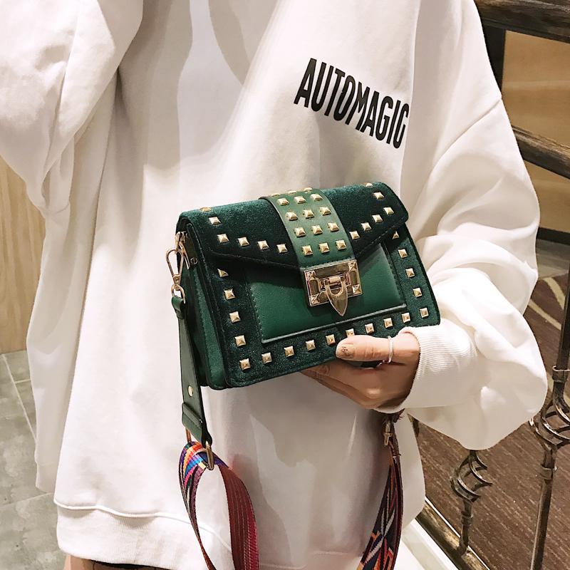 Großhandel 2019 Mode Luxus Marke Mode Samt Frauen Bunte Gurt Umhängetasche Dame Messenger Crossbody Taschen Designer Niet Handtaschen Schwarz Grün