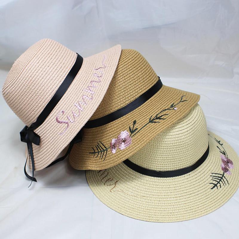 New Female Summer Beach Hat Sun Hat Travel Ladies Wild Big Hat Flower Cream Sunscreen Elegant