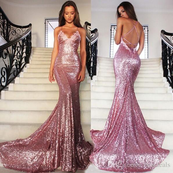 Rosa Rosa Glitz Paillettes Sirena Prom Dresses 2019 Spaghetti Strap Sexy Backless Sweep Treno Abiti da sera formale Abiti da festa delle donne BA2384