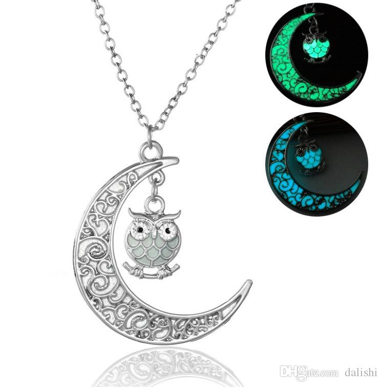 Free Shpping Green Blue Fluorescence Moon Owl Pendant Necklace Cute Bird Owl Glow in the Dark Necklace Chain Fashion Women Jewelry