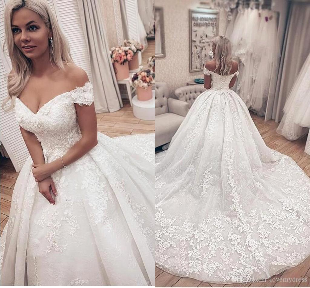 2020 فساتين الأميرة الحديثة كب كيك الكرة بثوب الزفاف الكتف معطلة 3D الزهور مطرز غالية الرباط الأزياء Vestidos دي نوفيا زائد الحجم