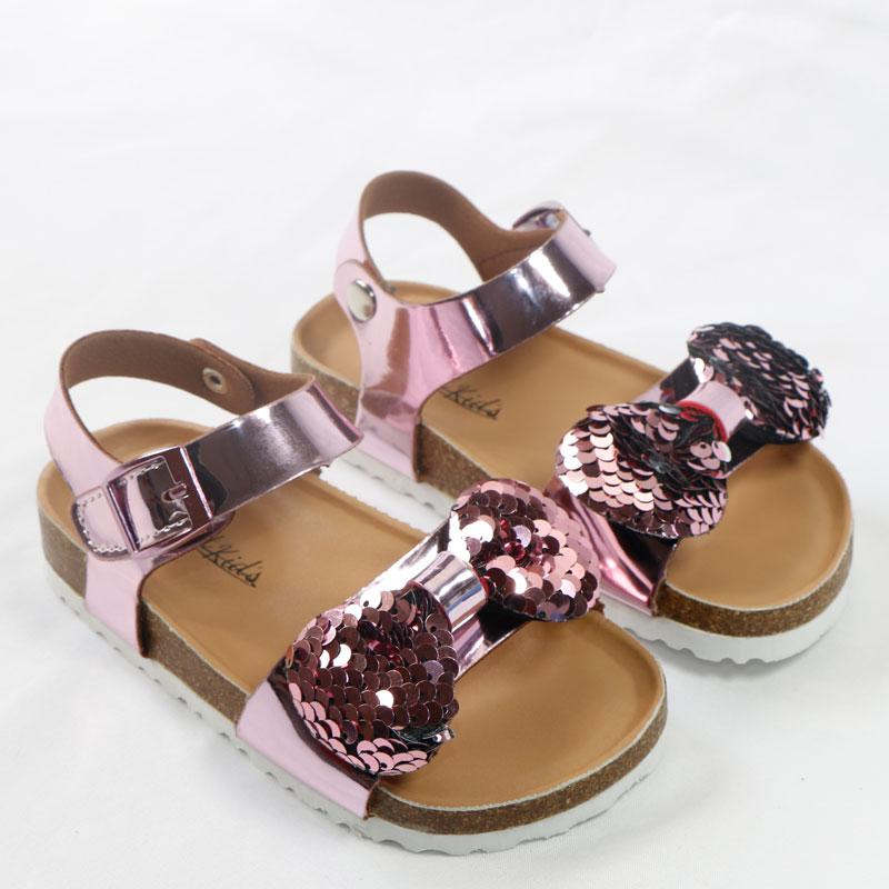 Los zapatos más nuevos de verano para niños Corchos 2020 zapatos de moda Cueros dulce sandalias de los niños para las niñas pequeñas de bebé respirable del arco del brillo