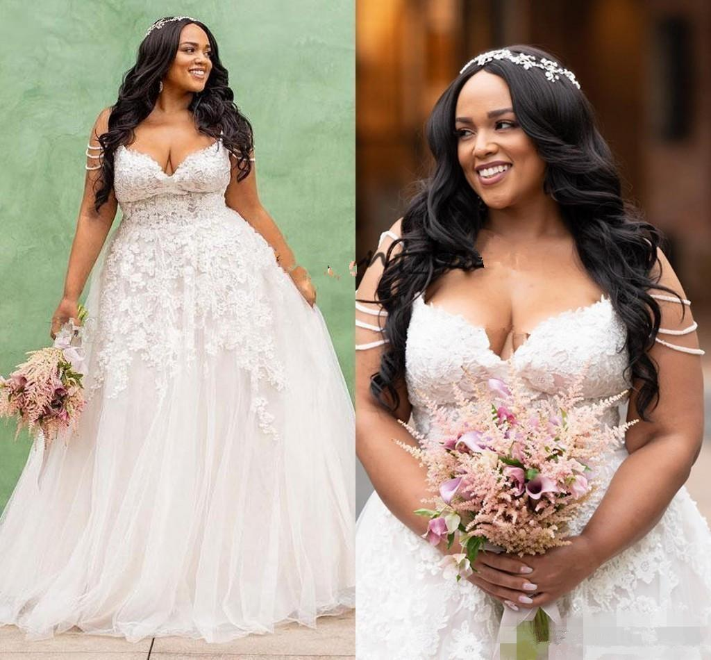 Taille africaine Plus Une ligne Robes de mariée sexy bretelles spaghetti dentelle Applique Tulle balayage train Country Garden robe de mariage Robe de Novia
