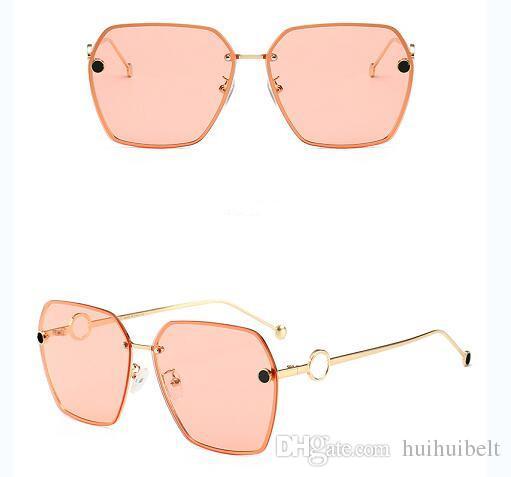 L'ultimo design speciale per le donne Exquisite Print Frame Fashion Avant-garde Style Occhiali di protezione UV di alta qualità con scatola