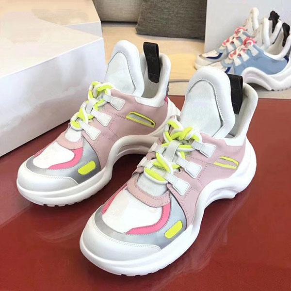 2020e высокого класса мужчин и женщин изысканный вышитые буквы низко верхней прогулочной спортивной обуви, высокого качества моды диких пара обувь партии za10