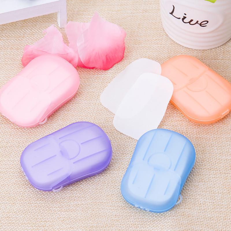 20PCS / scatola portatile di lavaggio del sapone di mini corsa di carta a mano Bagno pulito profumata fetta lenzuola usa e getta Boxe sapone disinfettante Sapone di carta