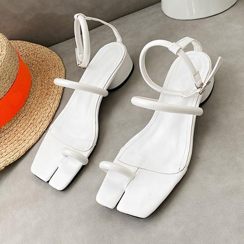 2020 New Square Toe talon bas sandales d'été en plein air Chaussures pour dames Sandales robe élégante cheville chaussures dames sangle