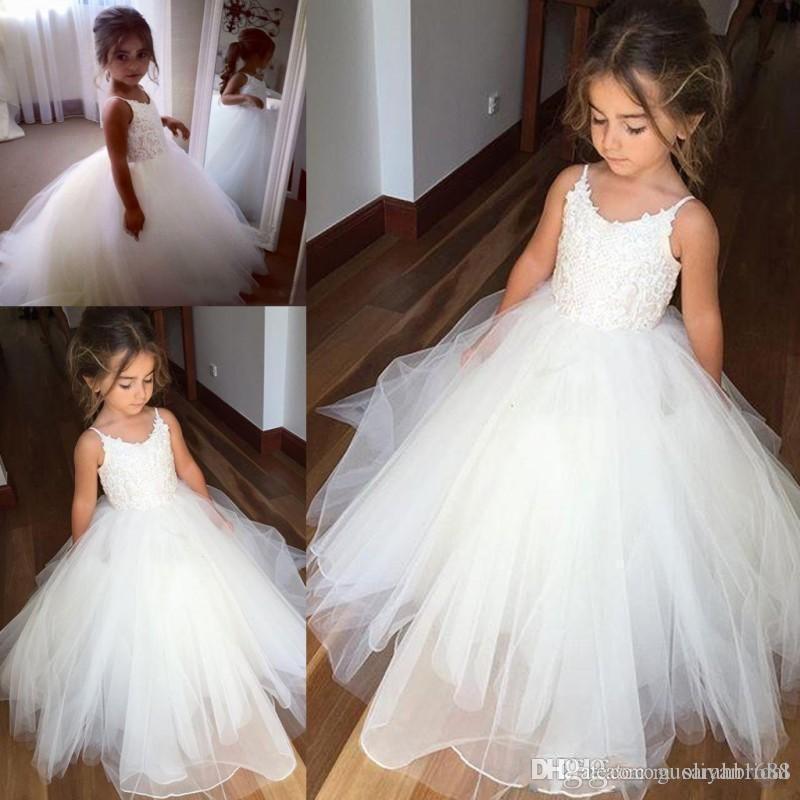 Дешевые кружева Спагетти И Тюль девушка цветок платье для свадьбы белой бального платья принцессы девушка Pageant халаты дети причастие Dress321342