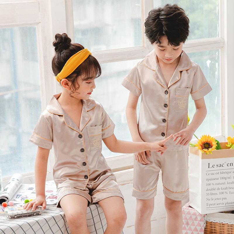 Çocuklar Çocuk Bayramı Hediyesi için Kız Pijama Takımı Yaz Kısa Kollu Çocuk pijamalar Seti Sahte İpek Pijama Boy Pijama Takımları