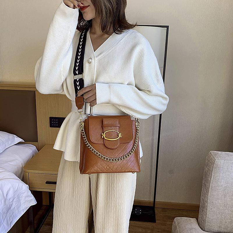 2020 fashion New Style Shoulder Doctor bags Ladies Casual Leather Female Ladies Wide Strap Bags Ladies Messenger Cross body Sac Dada/12