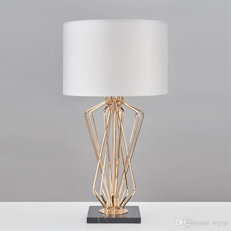 거실 용 현대 테이블 램프 침실 현대 책상 조명 침대 옆 램프 금속 도금 테이블 디자인 홈 인테리어