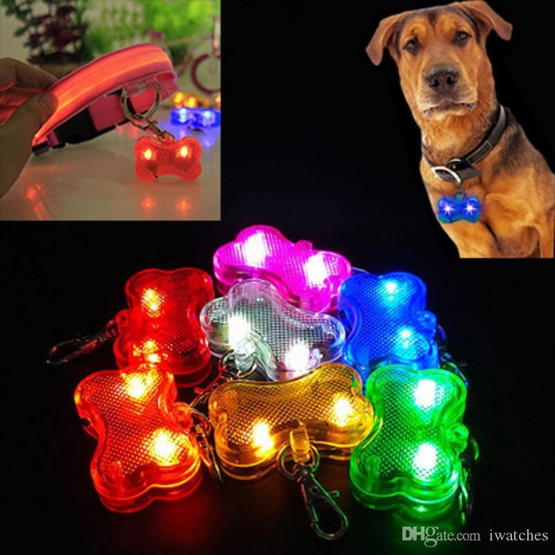 Pet köpek ışıklı kolye ışık yaka kolye modelleme 7 renk evcil hayvan bakım ürünleri, anti-kayıp etiket köpek kemiği LED