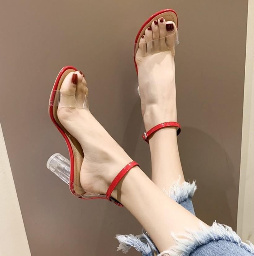 modelli esplosione fattura originale del commercio estero sandali open toe femminile trasparente tallone di spessore 2020 modelli estivi selvatici sandali in PVC