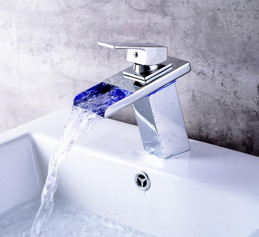 LED حوض صنبور نحاس الشلال درجة الحرارة تغيير الألوان حمام الطابق خلاط صنبور المغسلة الخيالة غسل الزجاج صنابير