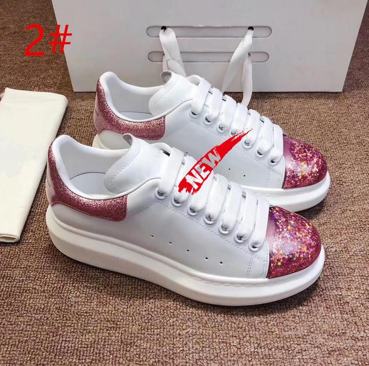 Britische Mode Pate Designer Sportschuhe Brettschuhe lässige Leder dicken Boden Biskuit reflektierende Schuhe Q05
