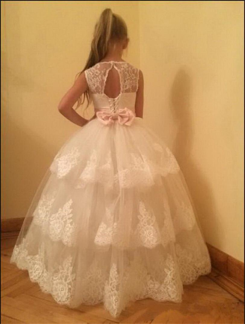 Classic Robe De Soriee For Little Girls Lace Up Back Puffy Tulle Flower Girl Dress For Wedding with Bow Belt Crystal Custom Made